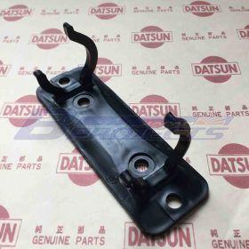 Emergency Signal Holder (Genuine/B110 Datsun 1200 Ute)